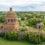 Заглянул сквозь щели закрытого храма в Байдиках